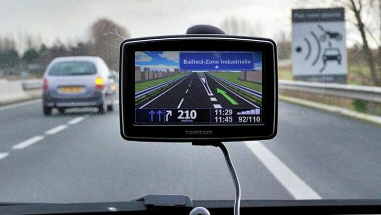 GPS Navigasi Mobil