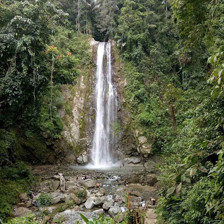 Air Terjun Taludaa
