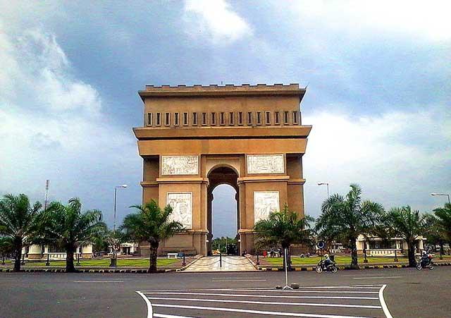 Monumen Simpang Lima Gumul