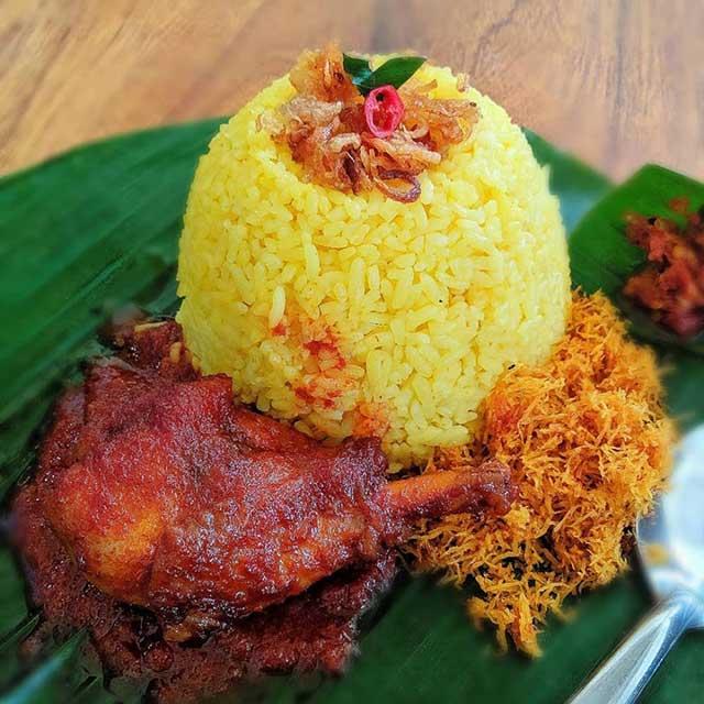Nasi Kuning Khas Banjarmasin