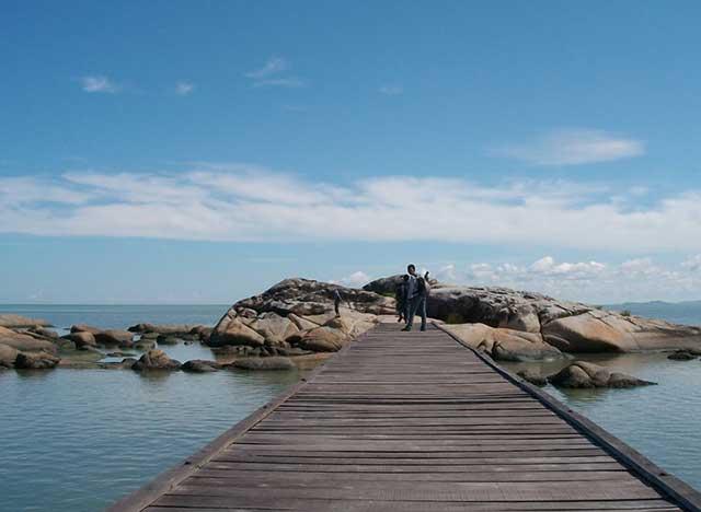 Pantai Batu Burung