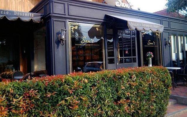 Sam's Bistro & Lounge