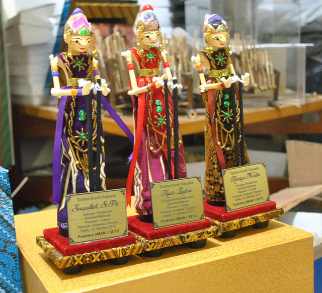 Souvenir Wayang Golek