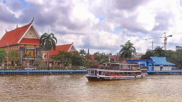 Wisata Sungai Mahakam