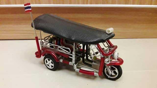 miniatur Tuk Tuk
